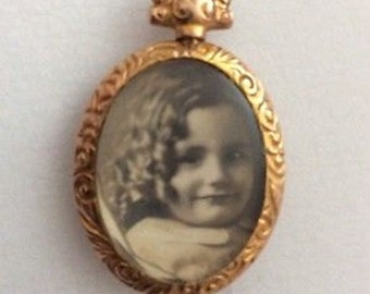 Stunning Antique Victorian 9ct Gold Double Glass Pendant with Original Photos