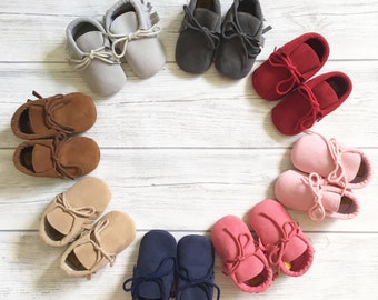 Faux suede leather mocassins, unisex mocassins, leather moccasins, baby shoes, baby booties, unisex shoes, baby crib shoes, Mocs, suede.
