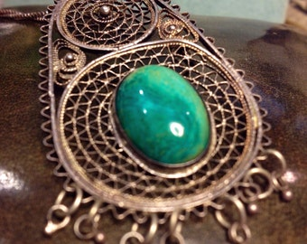 """Vintage Turkish nomadic Sterling Silver Pendant with an oval agate stone including 16"""" box chain marked India Sterling"""