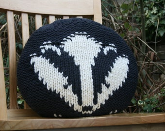 KNITTING PDF PATTERN - A Badger Pillow