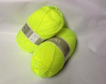 ball of yarn ideal layette / made in France