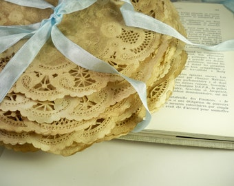10 Inch Doilies. Vintage Wedding. Doily. Bohemian. Anthropologie. Paper Lace. Save The Date. Rustic. French Paper Doily. Set of 25.