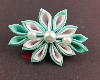 Kanzashi - green and white
