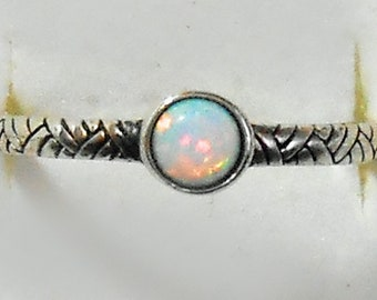 Size 8 Delicate Tiny Opal  Sterling Silver Ring Size New Vintage Wholesale Celtic Knot