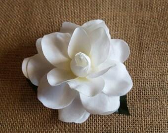 White gardenia hair clip, gardenia hair clip, wedding hair clip, wedding flower clip, hula hair clip