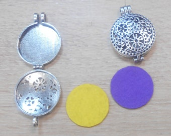 1 Medallion that s opener comes with 2 felt circles to put perfume number 1