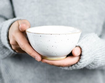 White ceramic bowl with small dots//speckled cereal bowl//handmade bowl m. White Glaze & Tiny Dots
