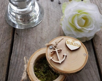 Tree trunk ring box with heart & anchor; Ring box; Individualized