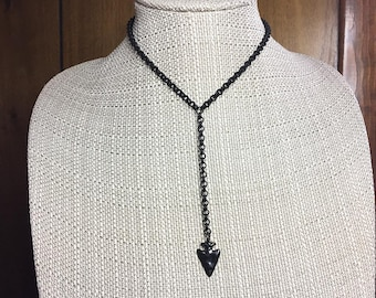 CHLOE Lariat Necklace * Edgy MATTE BLACK Lariat with Arrowhead Pendant * Trendy * Fun