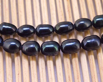 One Full Strand--- Luster Rice Black Pure Freshwater Pearl----6-7mm----about  40 Pieces----15 inch strand