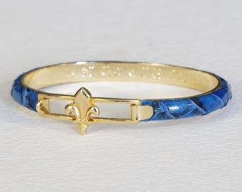 1970s Vintage Fleur-de-lis Italian Blue Genuine Snakeskin 24 Karat Gold Plated Bracelet
