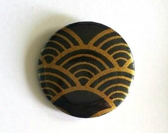Badge pattern Japanese wave black and gold badge creation MLP 37 mm