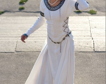 "In STOCK! Ready to ship! White Medieval Wedding Dress ""Chess Queen"""