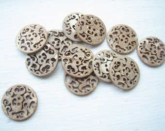 Vintage coconut shell buttons (12pcs), lacy coco buttons, filigree coconut, lot of 12 buttons, sweater buttons, coat buttons, natural colour