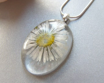 Real Daisy Necklace, Real Flower Jewelry, Pressed Flowers, Botanical Necklace, Gift for Daughter, Wishesonthewind, Boho Flower Necklace