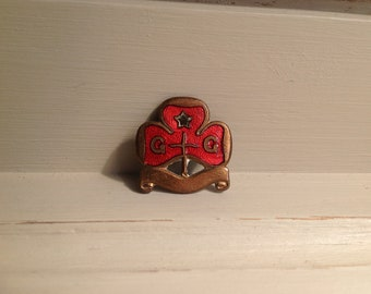 Vintage Girl Guide land ranger promise red enamel pin badge 1930s