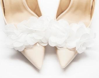 White Pom Pom Flowers Shoe Clips Wedding Shoe Clips Accessories Mififi Shoe Clips
