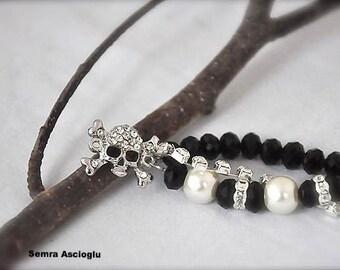 Pearl Bracelet, Goth weddings, Bridesmaids Gifts Crystal and Pearls Bracelet with Rhinestone skull