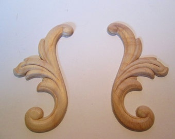 Wood applique swirl Set of two