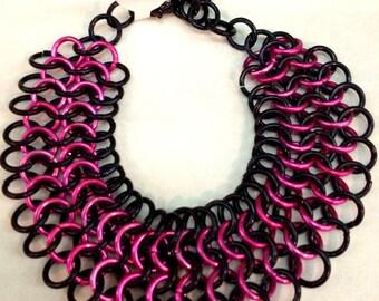 Rosa und schwarzen Kette Maile Armband Roller Derby Liga Farben Custom erhältlich