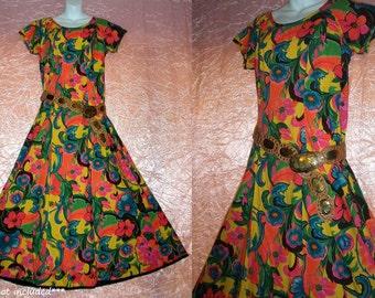 Hawaiian Maxi Dress Vintage Floor Length 1950s VLV Vibrant Colors Tropical Floral Cotton Huge Sweep Drama Drape Back Long M/Medium L/Large