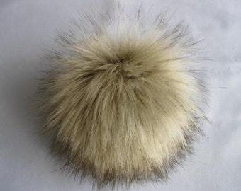 Faux fur pompon Wolf brown