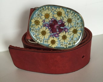 Belt 120cm in leather and buckle with real flowers