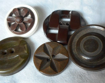 Lot of 5 VINTAGE Carved & Pierced Brown and Green Plastic BUTTONS