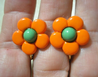 Play Earring - Clip - Daisy - Bold Orange/Green - 3/4""