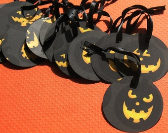 All Hallow's Eve - Round Halloween Gift Tags