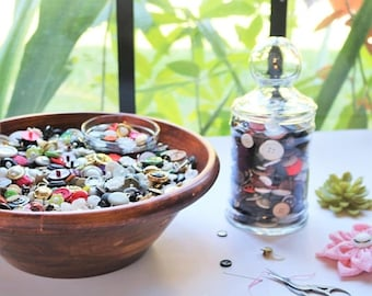 ON SALE Buttons, 1 lb assorted craft buttons, New and Vintage Buttons, sewing buttons, Buttons by the pound, Sewing notions, Large, small, s
