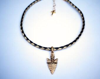 black and gold arrowhead choker