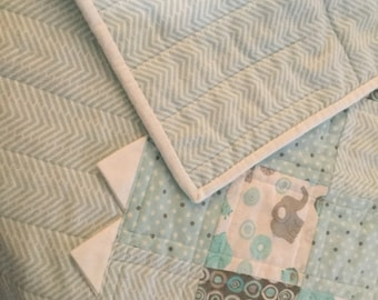 Baby Quilt With Prairie Points