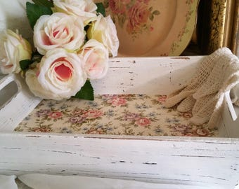 Shabby chic style tray weathered country white