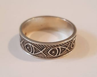 Sterling Ring ~ Silver Etched Swimming Fish Band Ring Size 10.5