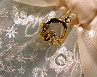 Irish Lace Wedding Garter Ivory with Claddagh Charm Heirloom Elegance