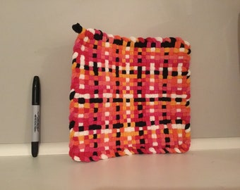 Large, washable cotton potholder