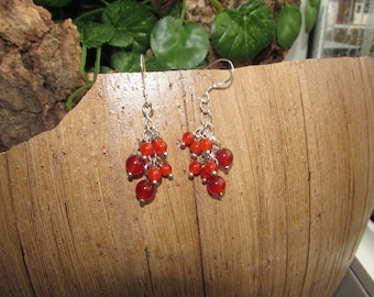 Silver cluster earrings with carnelian