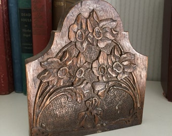 Victorian Naturalist Arts and Crafts Bookend Hand Carved Wooden Daffodils Bookend single Bookend