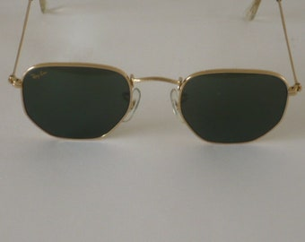 Vintage Ray Ban W0980 sunglasses by Bausch and Lomb