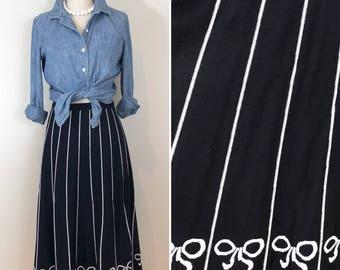 Vintage Black White Striped Bow A-line Reversible Sweater Midi Skirt, Size Medium to Large