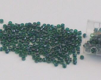 Les Japonais verts émeraudes verre perles Delica / / taille 11 perles vert foncé / / 11/0 perles / / artisanat jour de St. Patrick