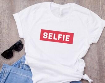 Selfie T-shirt, Selfie queen tee, Instagram, Social Media, Ladies Tee, Gift T-shirt, Cute T-shirt, Funny Shirt, Photographer T-Shirt