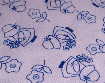 Sunbonnet Sue - Vintage Fabric - Cotton - White & Blue