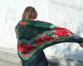 Green Wool Shawl with Red Flowers Vintage Ukrainian Shawl Vintage Wool Head Scarf Ukrainian Floral Head Shawl Floral Scarf Head Scarf USSR