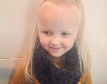 Kids crochet cowl scarf