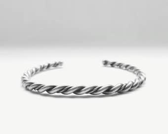 """Rope Twist  •  6.75""""  • Vintage Navajo Simple Sterling Cuff"""
