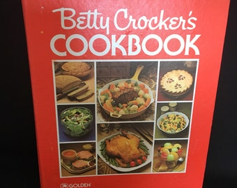 Vintage 1983 Betty Crocker's Loose Leaf Picture Cook Book revised and enlarged
