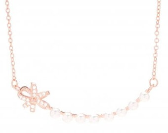 Flower and Mini Pearls necklace