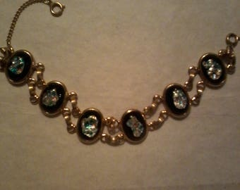 Vintage Gold Tone Link Bracelet with Black Confetti Center Lucite Beads